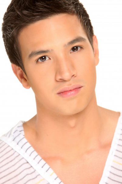 HOT NEW SENSATION ON THE RISE : MARKKI STROEM