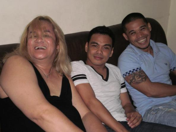 Bong Cabrera , sandwiched between Xixi Maturan & John Relucio at Talent Manager Shandii Bacolod's birthday bash last year...